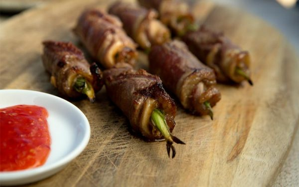 Beef roll stuffed with marinated spring onion