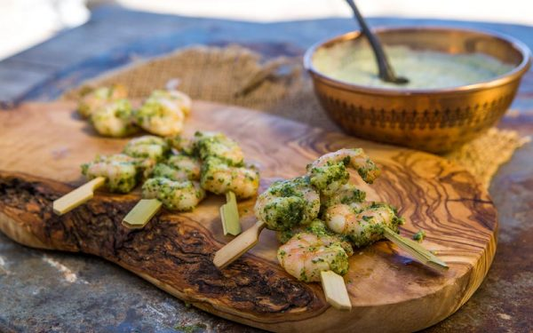 King prawn skewers with coriander pesto yoghurt dip