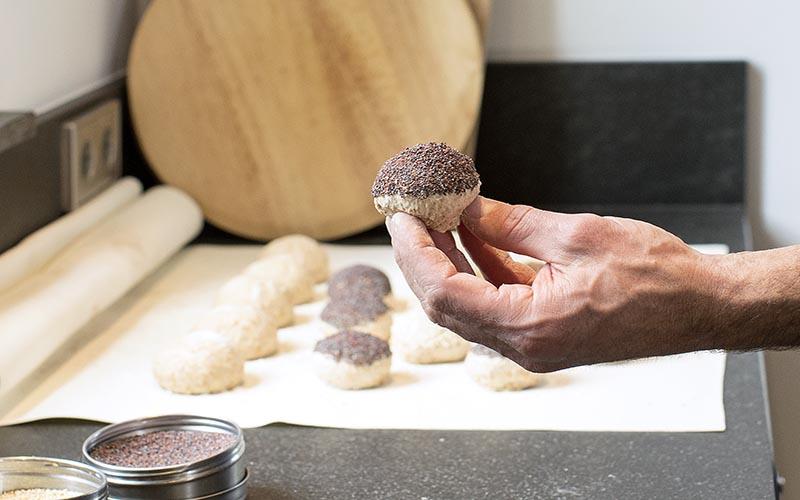 Volkoren breekbrood maken