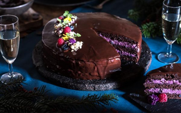 Chocolate pie with bilberry mousse