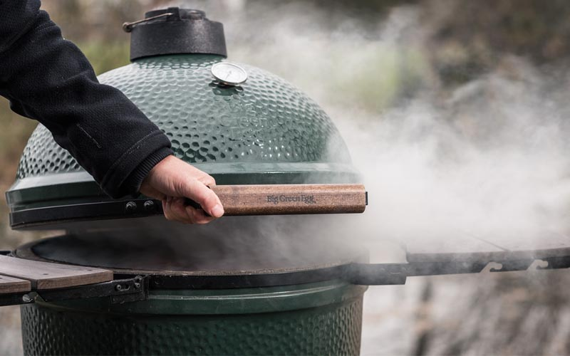 Smoking on the Big Green Egg