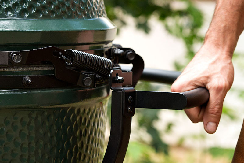 big green egg large met handler