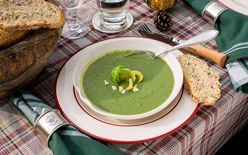 Roasted Brussels sprouts soup with Ardennes ham and chestnuts