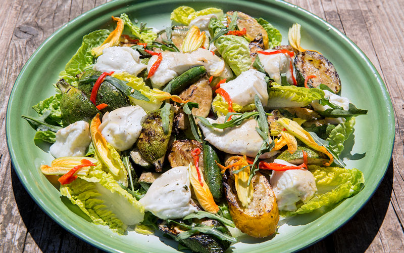 Grilled courgette salad with smoked mozzarella