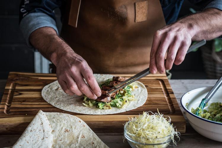 Wraps mit Thunfisch und gegrilltem Gemüse