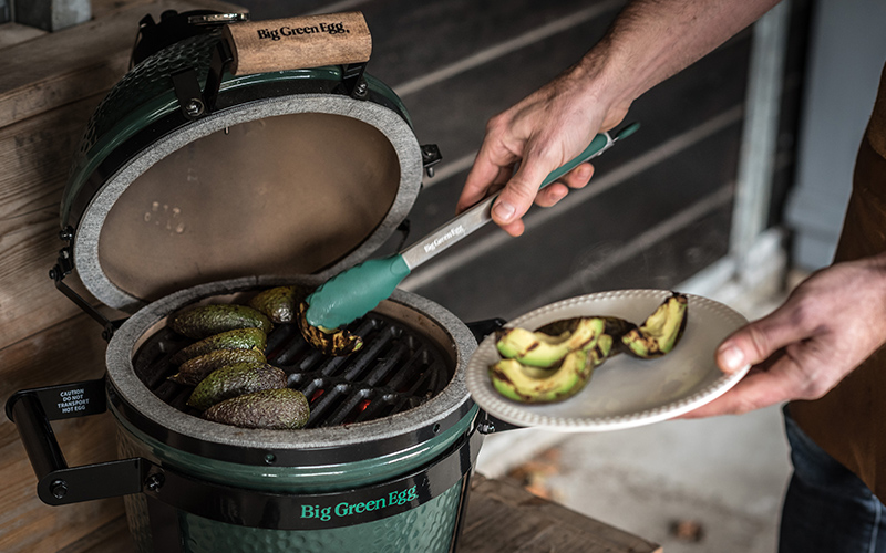 Advocado op de big green egg