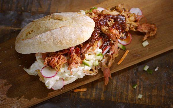 Broodje pulled pork met coleslaw