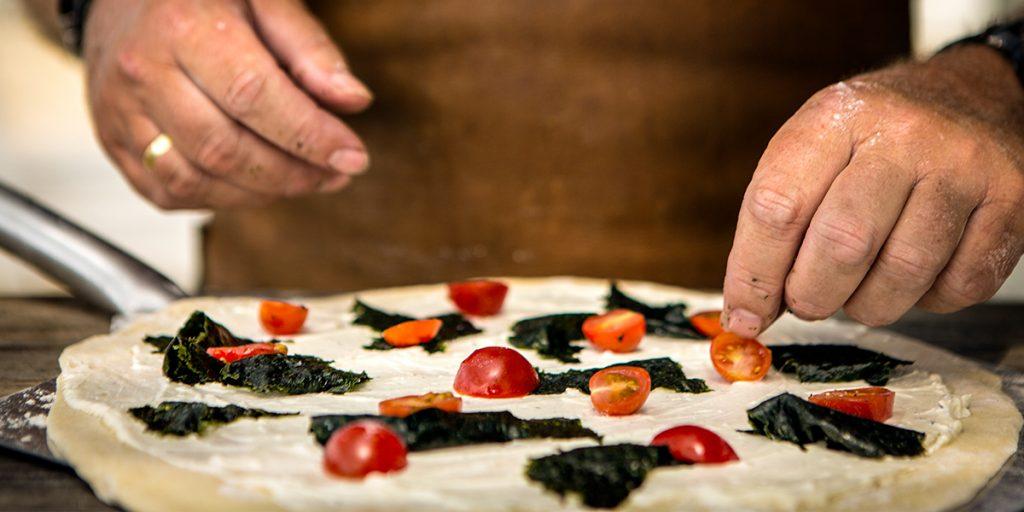 Pizza met tonijn en zeewier