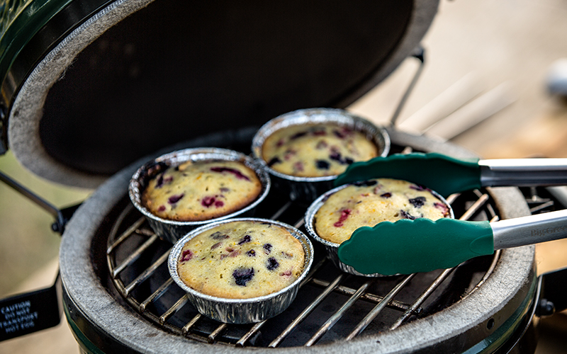 Big Green Egg Berry cakes with grilled mango