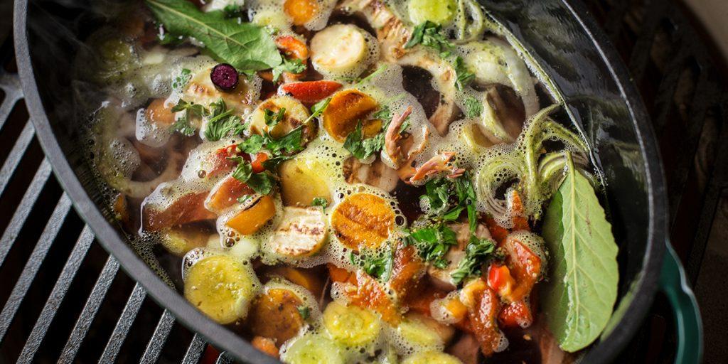 Groentensoep met gegrilde groenten