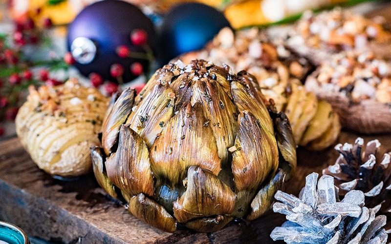 Artichauts entiers grillés à l'huile aromatique
