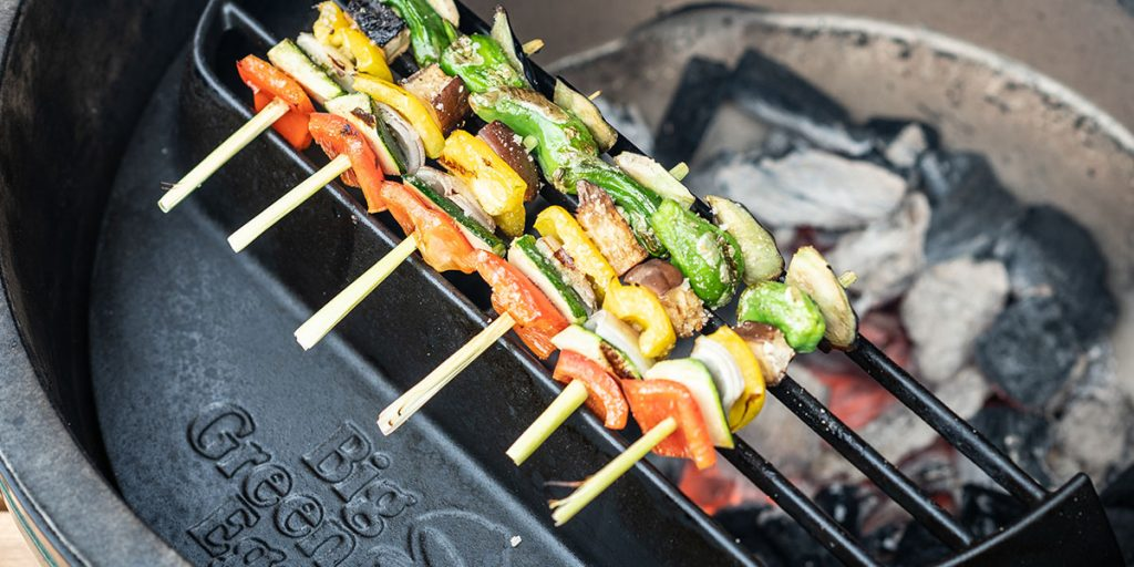 cast iron satay grill with vegetable skewers