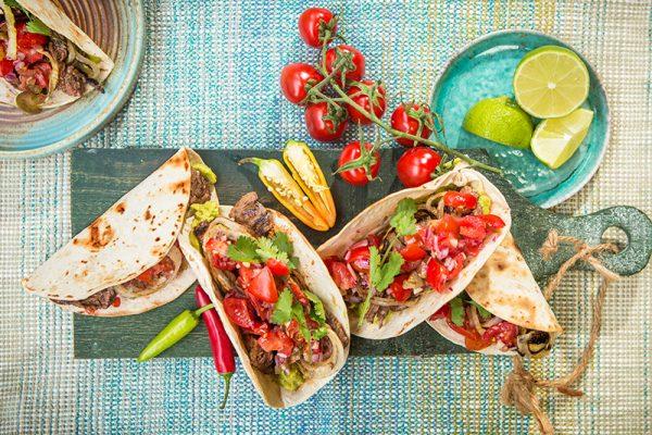 Taco's met bavette, guacamole en pico de gallo
