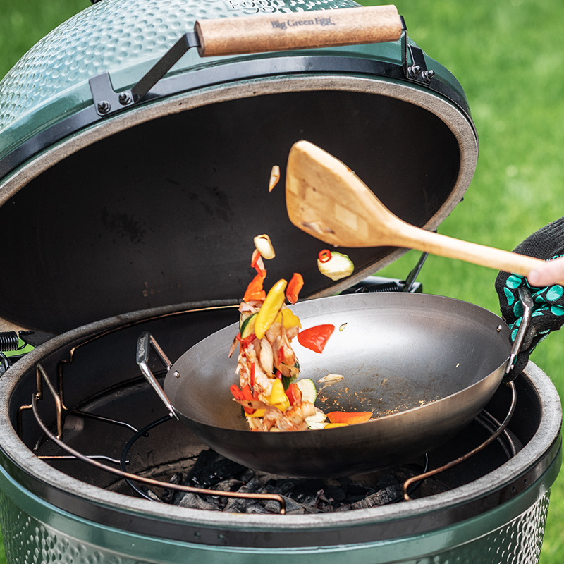 carbon-steel-wok-big-green-egg