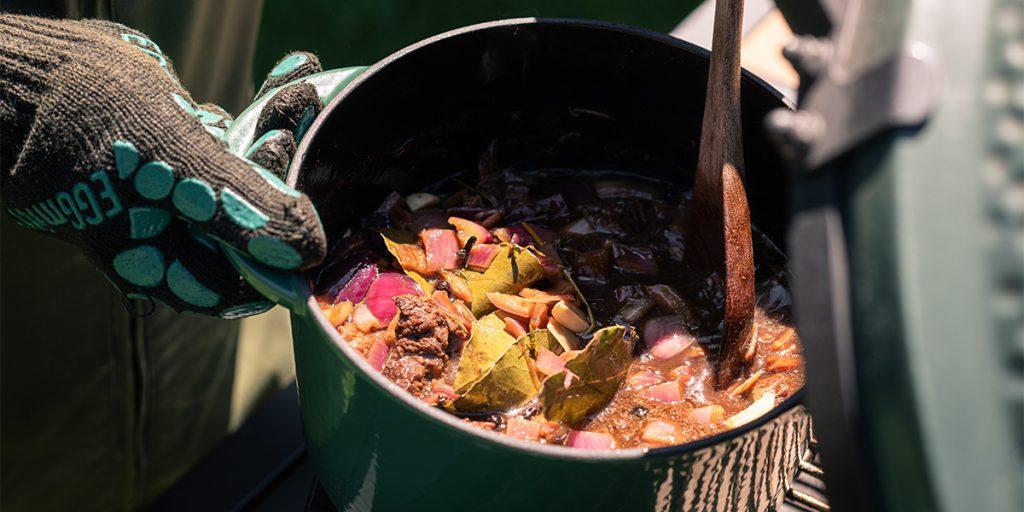 Sauerbraten avec pommes de terre au boudin